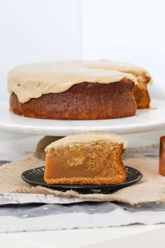 Easy Caramel Mud Cake | Melt & Mix Easy Sweets, Easy Desserts, Delicious Desserts, Caramel Mud Cake, Caramel Frosting, Bakers Gonna Bake, Australian Food, Lunch Box Recipes, Just Cakes