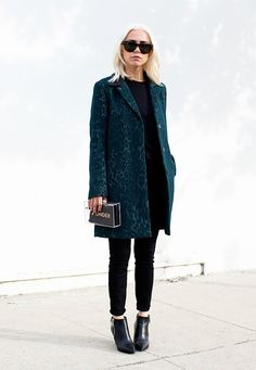 17 Coat Looks That EVERY Stylish Girl Should See via @WhoWhatWear
