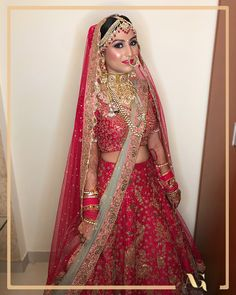 A million dollar smile on a heart stealing makeup . Don't you think the makeup is on point? Best Bridal Makeup, Bride Makeup, Bridal Beauty, Indian Wedding Photography Poses, Photography Poses Women, Wedding Looks, Bridal Looks, Wedding Lehenga Designs, Indian Bridal Photos