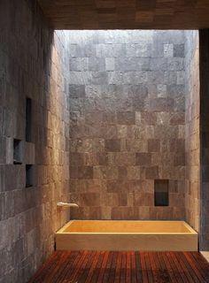 vasca cero pareti pietra pavimento legno