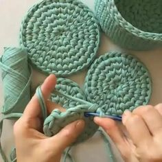Crochet Bag Tutorials, Crochet Instructions, Crochet Videos, Crochet Basics, Crochet Stitches, Crochet Home, Diy Crochet, Crochet Crafts, Yarn Crafts