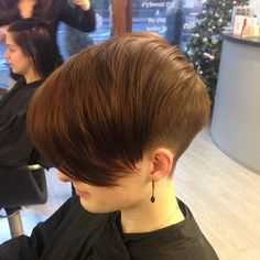 short hairstyle with long bangs for girls