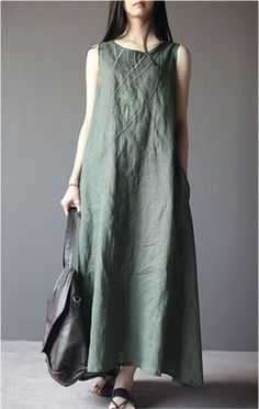 Embroidered linen dress in green - Party Dresses and Party Outfits Trendy Dresses, Casual Dresses, Summer Dresses, Summer Maxi, Bohemian Mode, Oversized Dress, Mode Hijab, Linen Dresses, Sleeveless Dresses