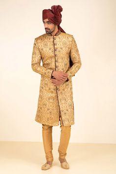 MFS Golden Brocade Sherwani #flyrobe #groom #groomwear #groomsherwani #sherwani #flyrobe #wedding #designersherwani