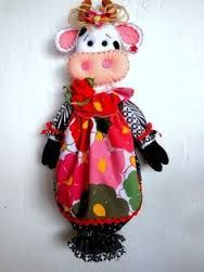Resultado de imagen para pinterest manualidades en tela Fabric Crafts, Sewing Crafts, Sewing Projects, Kitchen Ornaments, Plastic Bag Holders, Cow Pattern, Towel Crafts, Patch Quilt, Fabric Bags