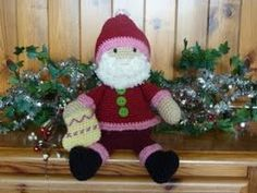 Christmas is coming and what better way to anticipate the fun than to make your very own Funky Santa. Free Crochet, Crochet Hats, Christmas Is Coming, Pattern Books, Craft Work, Free Pattern, Sewing Patterns, Santa, Teddy Bear