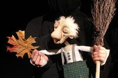 I just adore modern day bunraku style puppetry. I love the use of the human hand for puppet hands.