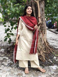 Best 12 Yellow Handwoven Organic Kurta And Dupatta Pakistani Fashion Casual, Pakistani Dress Design, Pakistani Outfits, Indian Outfits, Indian Fashion, Fashion Men, Nyc Fashion, Fashion Outfits, Fashion Design