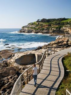 Bondi Beach to Coogee Beach Coastal Walk. Have done this walk many times well worth it if you're a visitor to Sydney New South Wales Australia 🇦🇺 Melbourne, Brisbane, Australia 2018, Australia Travel, Bondi Beach Australia, Bondi Beach Sydney, Coast Australia, Places To Travel, Places To See