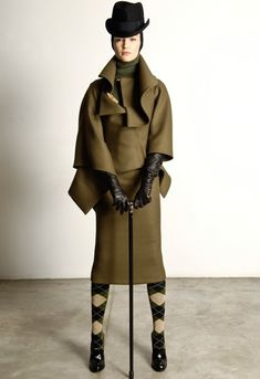 Alexander McQueen Pre-Fall 2009 - the Fashion Spot Fashion News, Fashion Art, Womens Fashion, Fashion Design, Paris Fashion, Le Lou, Tweed, Alexander Mcqueen Savage Beauty, 19th Century Fashion