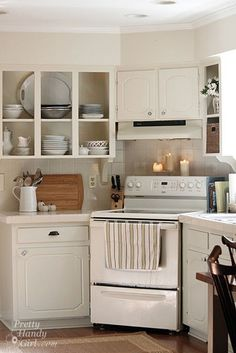 Putting the oven in a corner is a neat idea. Could be the perfect solution in my boyfriend's cramped kitchen.
