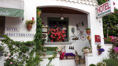 Saintes- Maries- de- la- Mer      France  Little Hotel