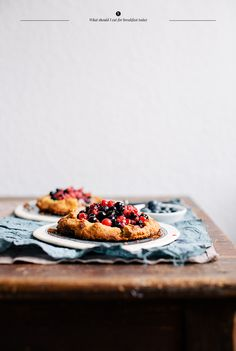 ~ Gallete with Berries <3 Can be prepared the day before, only to roll it out in the morning, topping it with the berries, & bake briefly.  A perfectly sweet plate to go along with morning coffee!