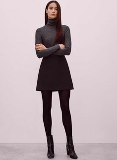 Fall Fashion Minimal Street Glamour Haute Couture Luxury Fashion Chic Style Designers and more. Black Skirt Outfits, Winter Skirt Outfit, Casual Winter Outfits, Fall Outfits, Black Turtleneck Outfit Winter, Flare Skirt Outfit, Winter Professional Outfits, Black Skirts, Grey Turtleneck