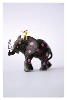 Circus family - Elephant. €10,00, via Etsy.