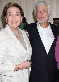 Dame Julie Andrews and Dick Van Dyke were last night reunited almost 50 years after they starred together in Mary Poppins Old Hollywood Stars, Old Hollywood Movies, Hollywood Actor, Classic Hollywood, Julie Andrews, Mary Poppins, Star Wars, Fair Lady, Celebs