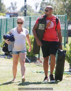 Pregnant Kendra Wilkinson-Baskett Flaunts her Baby Bump in a Bikini http://icelebz.com/gossips/pregnant_kendra_wilkinson-baskett_flaunts_her_baby_bump_in_a_bikini/