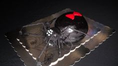 Black Widow Spider cake Spider Cake, Black Widow Spider, Trick Or Treat, Party Ideas, Cakes, Halloween, Recipes, Cake Makers, Kuchen