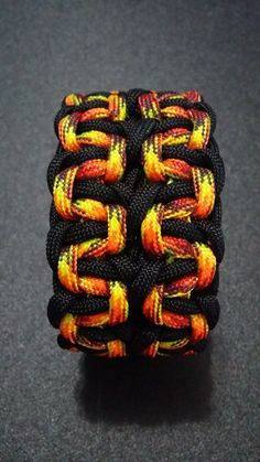 Wide Cobra Belly Paracord Bracelet by Gian Oneil