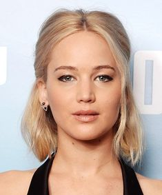 Jennifer Lawrence Hair Style No. Shoulder-Grazing Dimension, 15 Times We Wished We Had Jennifer Lawrence Hair - (Page Easy Hairstyles For Medium Hair, Work Hairstyles, Braids For Short Hair, Short Bob Hairstyles, Everyday Hairstyles, Latest Hairstyles, Celebrity Hairstyles, Pretty Hairstyles, Medium Hair Styles