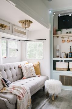 DIY RV makeover in white, pink, mint green and gold with modern & vintage glam accents. Vintage Glam Looks, Vintage Rv, Vintage Trailers, Diy Camper, Camper Van, Ikea Table, Diy Rv, Rv Makeover, Cupboard Handles