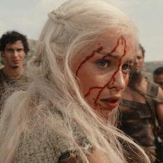 Game Of Thrones 4, Emilia Clarke, Daenerys Targaryen, Actors, Fictional Characters, Depression, Cherry, Nerd, Queen