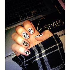 Cheetah print nails