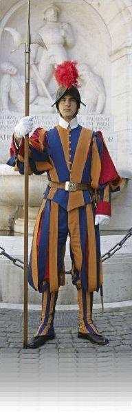 """Hace 509 años, el 21 de enero de 1506, llegan a la Plaza de San Pedro en Roma 150 soldados suizos solicitados por el Papa Julio II a los estados """"Confederatis Superioris Allemanniae"""" -Confederación Suiza- con el fin de formar una guardia para su protección. Éste es el origen de la Guardia Suiza, cuerpo militar encargado de la seguridad del Vaticano."""