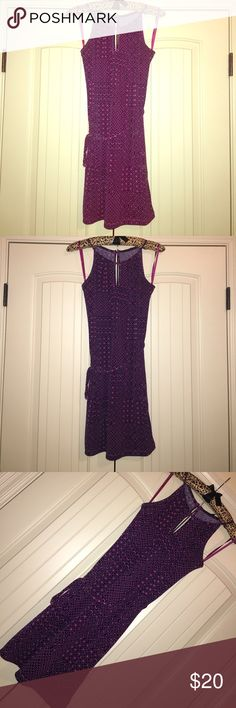 Banana Republic sleeveless dress Banana Republic sleeveless dress with keyhole neck and back with silver button closure at back also and tie at waist • Gorgeous pink and purple pattern • Brand new but took tags off • Perfect condition • Size XS Petite but fits more like a regular Small Banana Republic Dresses Midi