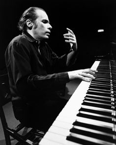 Glenn Gould Music Power, Piano Man, Jazz Blues, Piano Music, Conductors, My Favorite Music, No One Loves Me, Classical Music, Portraits