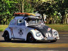 "Fusca modificado dentro do estilo ""Hood ride"" ou ""Rat look"" (Foto: Rodrigo Poncio/VC no G1) Rat Look, Street Rods, Vw Beetles, Volkswagen Golf, Cool Cars, Porsche, Vehicles, Vw Bugs, Planes"