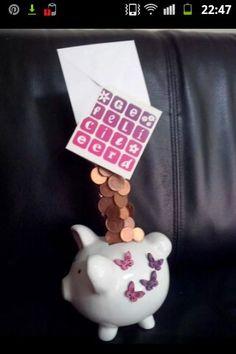 Kado idee geld geven spaarvarken zwevend geld