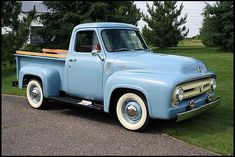 I love old trucks! by cflaug 1953 Ford Pickup….I love old trucks! Vintage Pickup Trucks, Old Ford Trucks, Antique Trucks, 4x4 Trucks, Lifted Trucks, Vintage Cars, Truck Wheels, Chevrolet Trucks, Antique Cars
