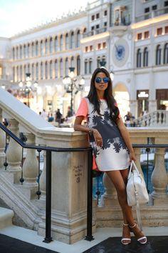 in Las Vegas - relaxed chic.  women's fashion.  printed shift dress.  street style. modern fashion.
