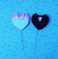 Topper para cupcake noivinhos em scrap super fofos.  Cupcake toppers made with my cricut www.amornopapel.elo7.com.br http://vitrine.elo7.com.br/amornopapel