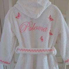 Albornoz niña rosa con mariposas Housecoat, Girl House, Love Sewing, Little Girls, Baby, Frozen, Ideas, Fashion, Baby Layette