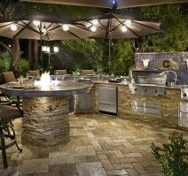 Cooking outdoors at Outdoor Kitchen brings a different sensation. We can use our patio / backyard space to build outdoor kitchen. Outdoor kitchen u. Design Patio, Terrasse Design, Küchen Design, Design Ideas, Design Guidelines, Landscaping Design, Bar Designs, Site Design, Design Inspiration