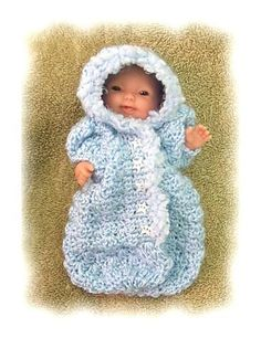 Ravelry: Bunting Bag for 5-6 inch Baby Doll pattern by Amy Carrico