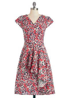 Warm-Weather Wreath Dress. As you affix a berry sprig to your latest door decoration, you notice your floral Mata Traders dress inspired this creation! #red #modcloth