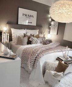 Girl Room Decor Ideas - What's the best color for a teenage girl's bedroom? Girl Room Decor Ideas - How do you clean your room fast? Teen Bedroom Designs, Room Ideas Bedroom, Small Room Bedroom, Home Bedroom, Ikea Bedroom, Grey Bedroom Design, White Bedroom Decor, Cosy Grey Bedroom, Adult Bedroom Ideas