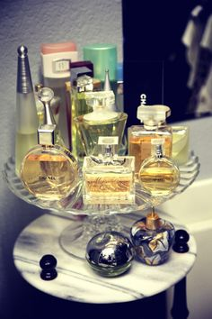 funny how I love perfume but only wear it once or twice a week... I forget. lol