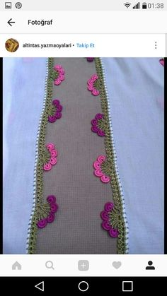 This Pin was discovered by HUZ Saree Kuchu Designs, Blouse Designs, Baby Knitting Patterns, Balochi Dress, Crochet Designs, Shape Patterns, Crochet Lace, Floral Tie, Crochet Projects