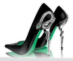 Slytherin stilettos. I WANT.