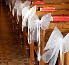 How to Make DIY Church Pew Decorations