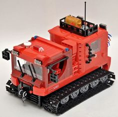Lego Rescue vehicle Pisten bully (snowcat):