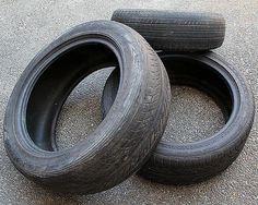 Nous vous expliquons aujourd'hui comment recycler un vieux pneu de façon facile et simple. C'est une façon pour épargner en créant un nouvel objet.