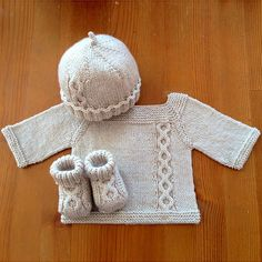 Ravelry is a community site, an organizational tool, and a yarn & pattern database for knitters and crocheters. Baby Knitting Patterns, Knitting For Kids, Baby Patterns, Free Knitting, Knitting Projects, Knit Or Crochet, Crochet For Kids, Ravelry Crochet, Knitted Baby Clothes