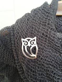Cadeau de fête Sterling Silver Owl Brooch - Valentin, cadeau d'anniversaire, cadeau fait main, cadeau de fête des mères, par GaiaJewelryDesign sur Etsy https://www.etsy.com/fr/listing/219611798/cadeau-de-fete-sterling-silver-owl