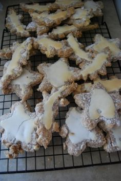 thinking of a way to get around all the confectioner's sugar...
