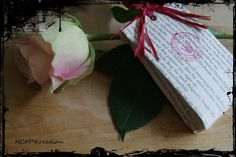 Verpackung aus ausgedienten Buchseiten